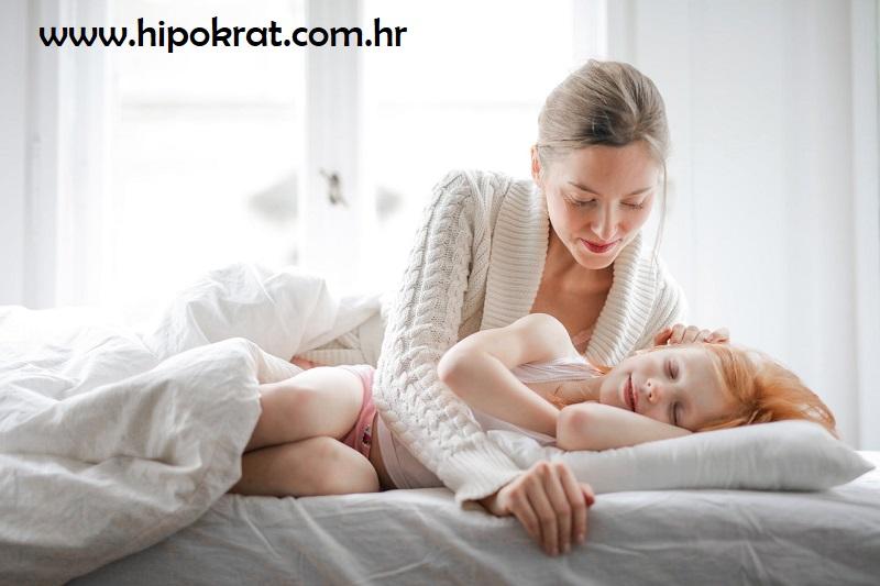 Što napraviti kada djete boli trbuh